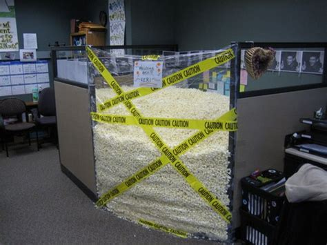 Awesome office cubicle pranks - 21 Pics | Curious, Funny