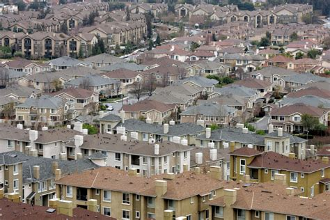 California house prices, sales to climb in 2021, Realtors