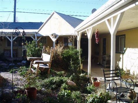 THE COURTYARD COUNTRY INN - Updated 2019 Prices & B&B