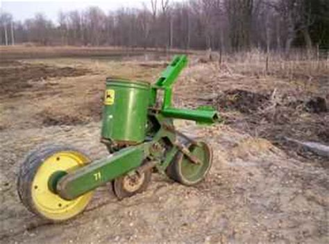 Used Farm Tractors for Sale: One Row Planter (2005-04-05