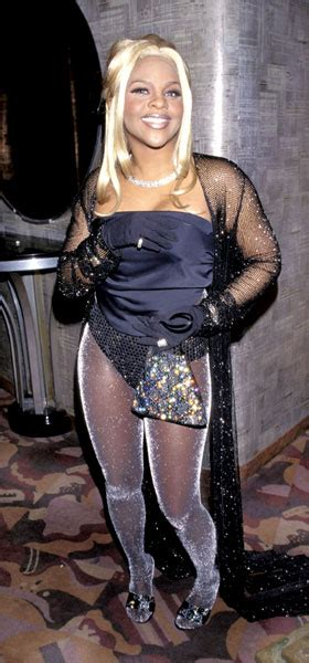 Lil' Kim   The 50 Most Iconic Grammys Outfits of All Time