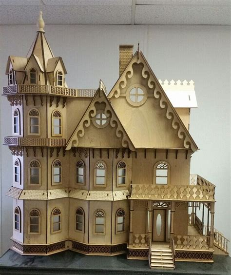 Leon Gothic Victorian Mansion Dollhouse 1:12 (New for 2015