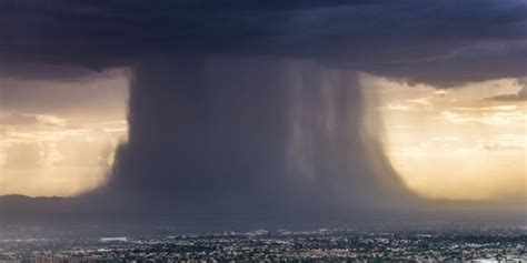 Microburst over Phoenix during severe weather - Business