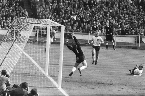 England's 1966 heroes reunited at Wembley on World Cup